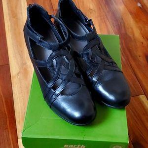Earth Black Dress Shoes